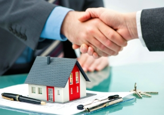 house sale sold buy hand key