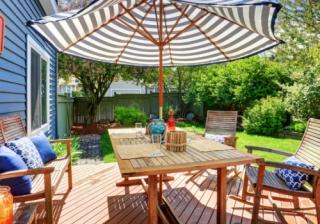 Summer house garden
