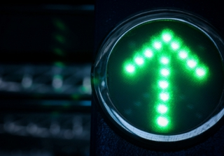 up arrow spike increase green light go