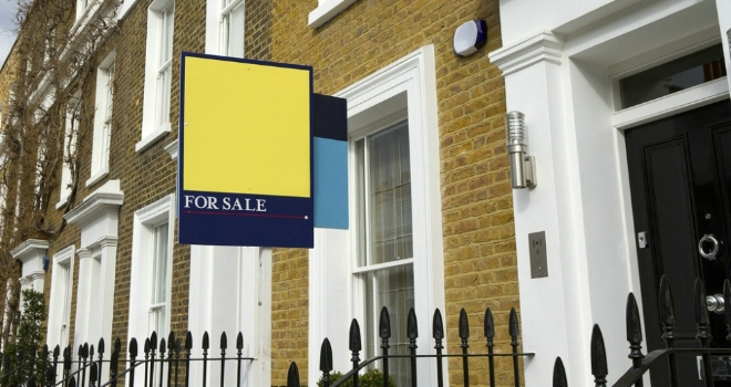 House prices rise in April; Brexit delay expected to boost sales - Rightmove