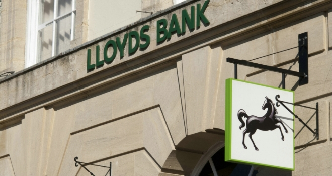 Lloyds Bank launches £1,000 cashback on remortgages
