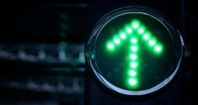 up arrow spike increase green light go